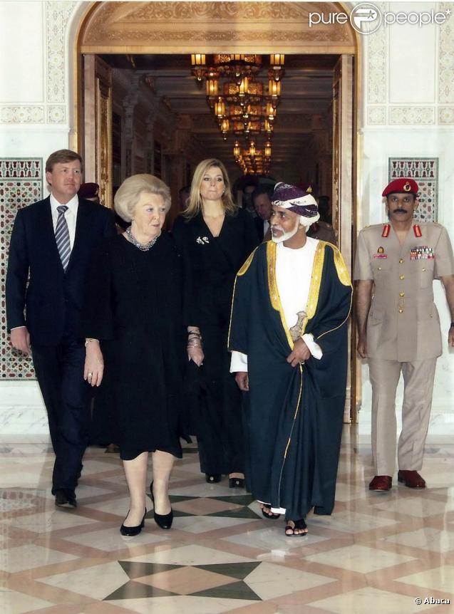 Willem-Alexander et Maxima des Pays-Bas accompagnaient le 8 mars 2011 la reine Beatrix dans sa visite à dîner chez le sultan Qaabos bin Said al Said, à Mascate. Ils enchaîneront avec une visite de trois jours au Qatar.