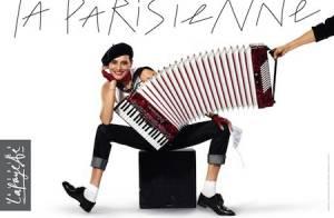 Inès de la Fressange : Béret, mocassins et jean, elle est LA Parisienne !