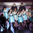 Toute l'équipe du Glee Club en pleine performance.