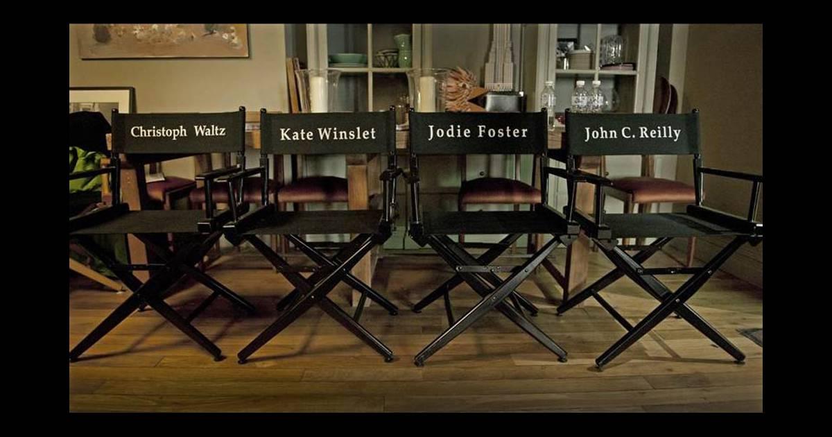 les quatre chaises des stars du casting sur le tournage du dieu du carnage dans les studios de. Black Bedroom Furniture Sets. Home Design Ideas