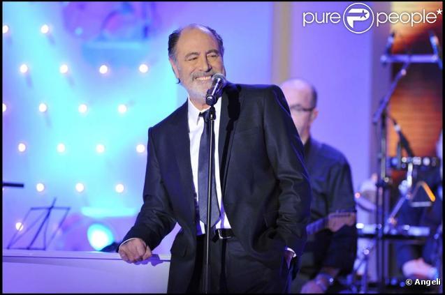 Michel Delpech sur la plateau de  Vivement dimanche , le 23 février 2011.