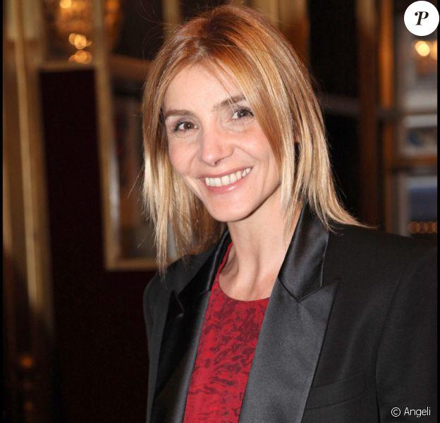 Clotilde Courau lors d'une des dernières représentations du spectacle de Jérôme Commandeur au Casino de Paris, le 9 avril 2011