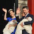 Le 14 avril 2011, la princesse Mary et le prince Frederik de Danemark quittent le palais royal d'Amalienborg avec leurs enfants, Christian et Isabella. Direction l'église d'Holmen, pour le baptême de leurs jumeaux de trois mois, Vincent et Joséphine.