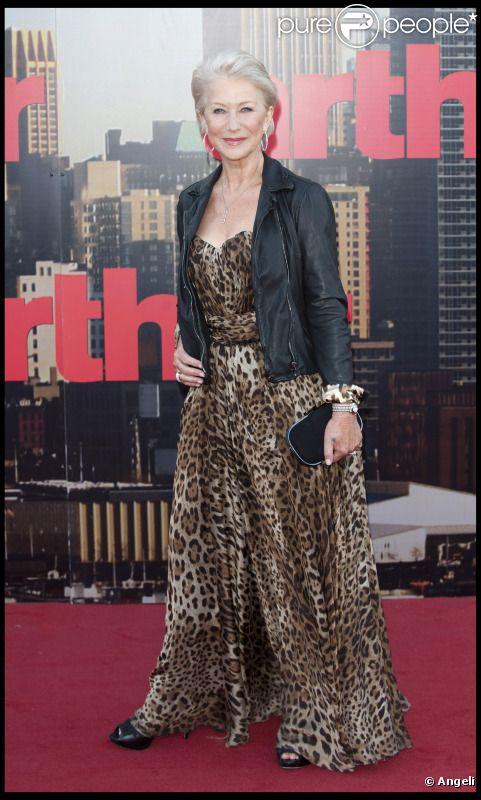 Helen Mirren lors de l'avant-première du film Arthur à Londres le 19 avril 2011