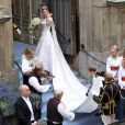 Victoria de Suède salue son peuple avant d'échanger ses voeux avec son amoureux. Suède, 19 juin 2010