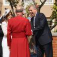 A l'occasion de la messe pascale donnée le 24 avril 2011 en la chapelle Saint-George à Windsor, le prince Andrew, duc d'York, accompagné par ses filles Eugenie et Beatrice, a plaisanté avec le révérend Conner !