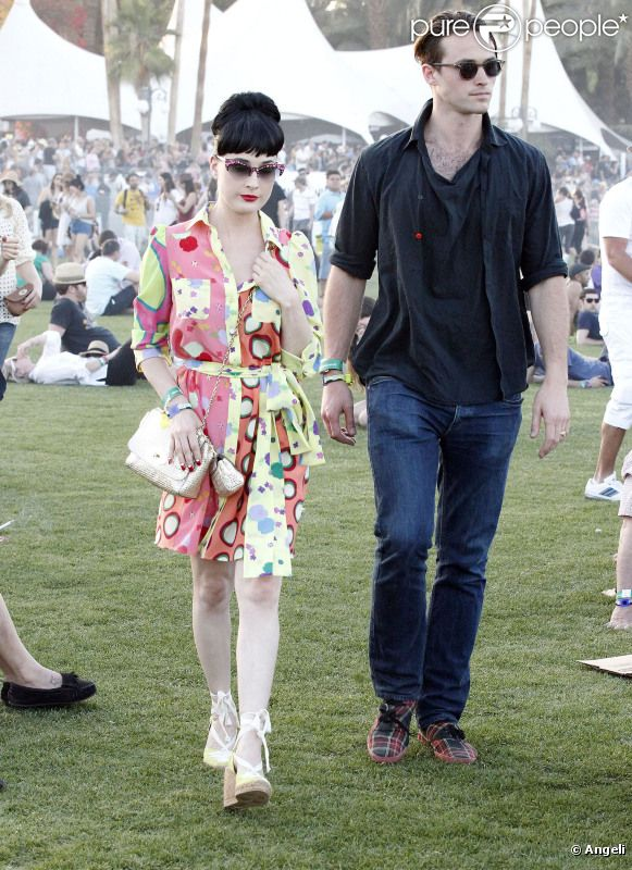 Dita Von Teese et son amoureux Louis-Marie de Castelbajac, au Festival de Coachella le 15 avril 2011