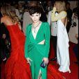 En plus de son décolleté renversant, la robe de la belle Ginnifer Goodwin est fendu pour dévoiler ses jambes. New York, 2 mai 2011