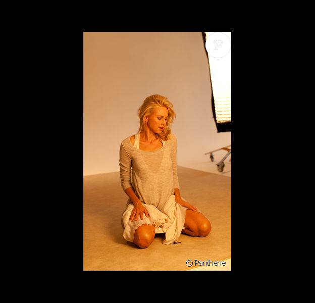 A l'instar de l'actrice Eva Mendes, Naomi Watts est elle aussi la nouvelle égérie de Pantene.
