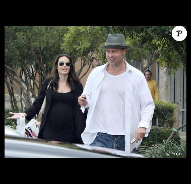 Angelina Jolie et Brad Pitt ont rendu visite à leur ami Bono