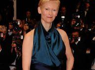 Cannes 2011 : La grande Tilda Swinton radieuse, pour une montée très glamour !