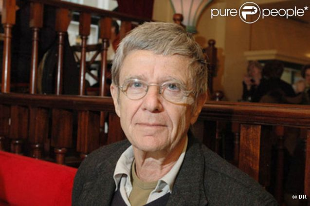 Charles Belmont s'est donné la mort le 15 mai 2011, à l'âge de 75 ans.