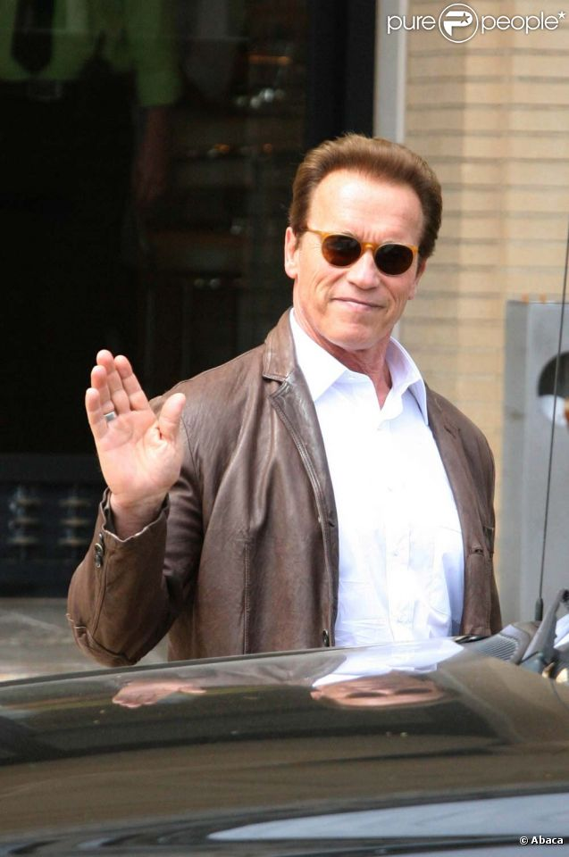 Arnold Schwarzenegger fait du shopping à Beverly Hills, le 4 juin 2011.