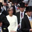 Le prince William et sa femme Catherine, duchesse de Cambridge (photo : au derby d'Epsom, le 4 juin 2011), emménageront temporairement au palais de Kensington lors du second semestre 2011.