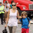 Sarah Jessica Parker amène son fils James à l'école à NEw York le 10 juin 2011