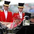 """Royal Ascot 2011, jour 3, jeudi 16 juin 2011. Total look rose pour la reine Elizabeth II, accompagnée par son époux le duc d'Edimbourg, et qui honore de belle manière la """"journée des femmes"""".   Pour le traditionnel Ladies' Day du jeudi (qui tombait cette année un 16 juin), ces dames ont répondu au rendez-vous."""
