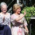 La reine Margrethe de Danemark et sa soeur la reine Anne-Marie de Grèce assistaient, le 18  juin 2011, au mariage  religieux de leur nièce la princesse Nathalie de  Sayn-Wittgenstein-Berleburg et  d'Alexander Johanssmann, en l'église  protestante de Bad Berleburg, en  Allemagne.