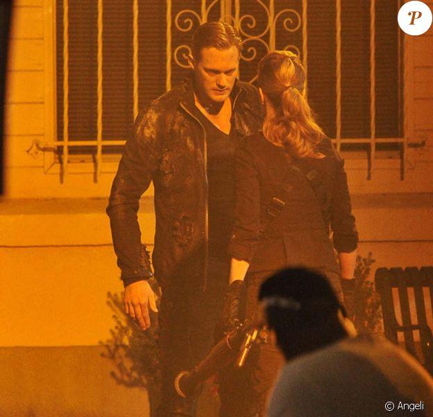 Alexander Skarsgard et Kristin Bauer sur tournage de True Blood, saison 4, à La Puente, le 9 juin 2011.