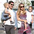 Tobey Maguire, Jennifer Meyer, et leur enfants à Los Angeles, le 26 septembre 2010.
