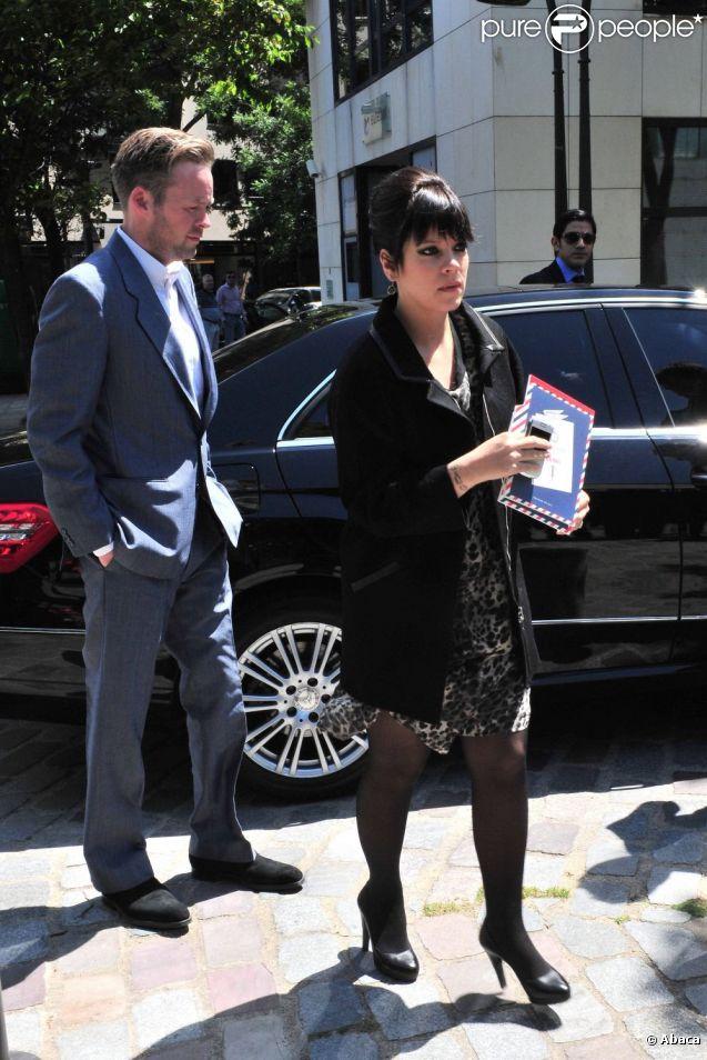 Lily Allen et son mari Sam Cooper ont profité de leur passage à Paris pour assister au défilé Vuitton Hommes. Le 23 juin 2011