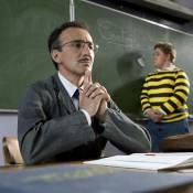 Elie Semoun : Un hystérique professeur qui séduit...