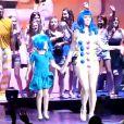 Katy Perry sur scène à Philadelphie avec Keenan Cahill, le 24 juin 2011