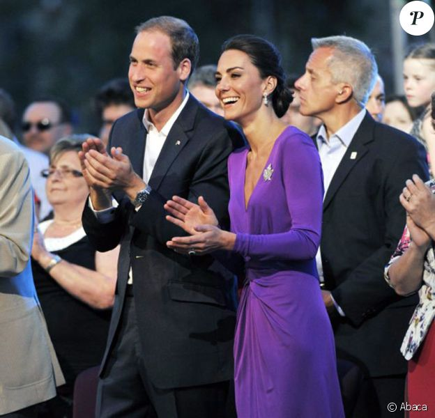 Le prince William et la duchesse Catherine de Cambridge ont applaudi à tout rompre l'Evening Show, à Ottawa, Canada, le 1er juillet 2011