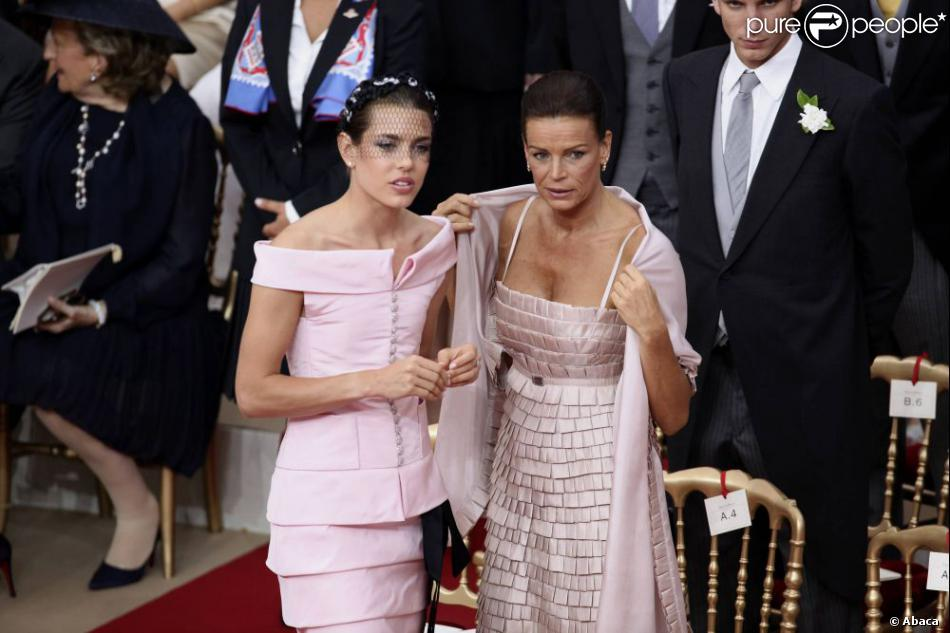 Charlotte Casiraghi et sa tante, Stéphanie de Monaco lors de la cérémonie  religieuse du mariage