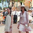 Caroline de Monaco et Alexandra de Hanovre lors de la cérémonie religieuse  du mariage du prince Albert et de Charlene Wittstock, à Monaco, le 2  juillet 2011