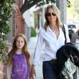 Helen Hunt va déjeuner avec sa fille Makena Lei dans un restaurant de Los Angeles, le 9 juillet 2011