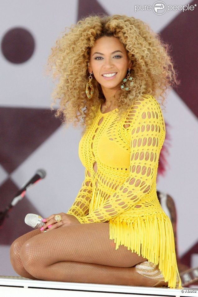 Beyoncé chante en direct dans l'émission Good Morning America. New York, le 1er juillet 2011.
