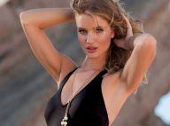 Rosie Huntington-Whiteley fait monter la température avec ses poses sexy