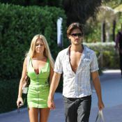 Shauna Sand et son mari Laurent : Main dans la main, ils s'aiment comme des ados