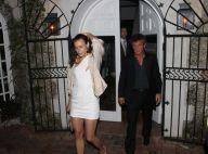 Sean Penn discret avec sa jolie brune, mais certains gestes ne trompent pas