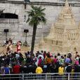 Mickey et Minnie ont fait la fête lors de l'inauguration du grand château de sable de la Belle au Bois Dormant à Paris Plages, le 23 juillet 2011