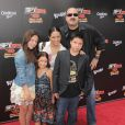 Pepe Aguilar et sa famille lors de l'avant-première du film Spy Kids 4 : All the time in the world à Los Angeles le 31 juillet 2011