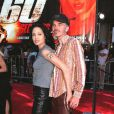 Angelina Jolie est sulfureuse aux côtés de son deuxième mari, l'acteur Billy Bob Thornton. Elle ne quitte plus non plus son fameux pantalon en cuir ! Los Angeles, 5 juin 2000