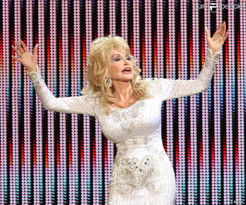 Dolly Parton NEW SONG FROM BETTERDAY I Just might - YouTube