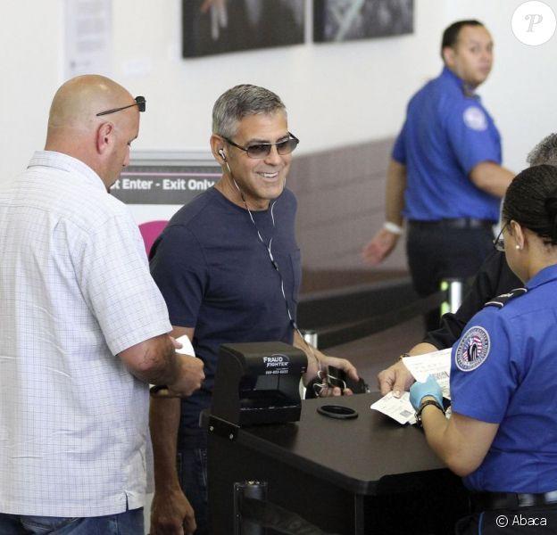 George Clooney à l'aéroport de Los Angeles, le 25 juillet 2011