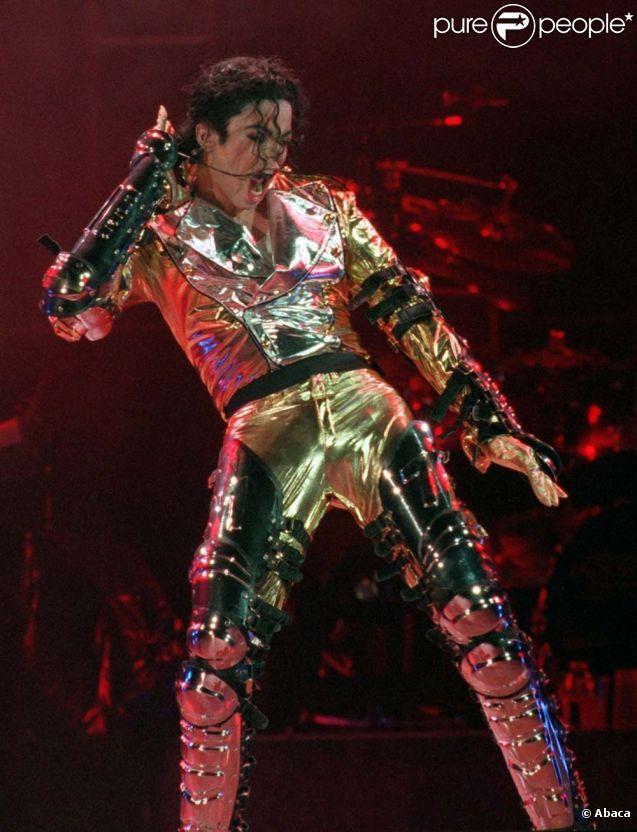 Michael Jackson sur scène à Prague, le 7 septembre 1996.