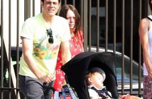Johnny Knoxville : En attendant bébé, il pouponne les deux autres, et sa femme