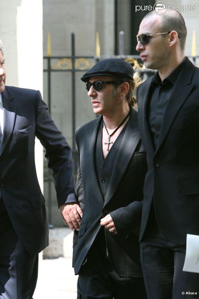 John Galliano lors des funérailles de Steven Robinson en avril 2007