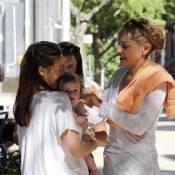 Sharon Stone est en admiration devant le craquant bébé d'Alicia Silverstone