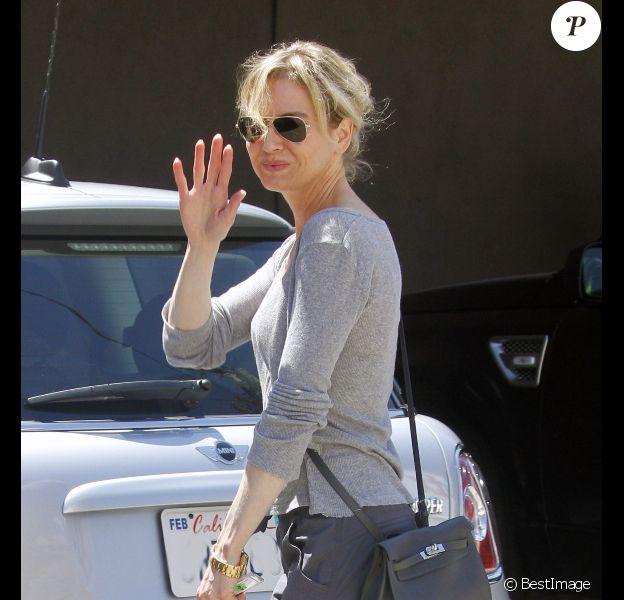 Renée Zellweger fait du shopping dans le quartier de Melrose à Los Angeles, le 23 août 2011