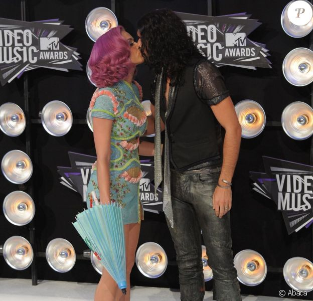 Katy Perry et son mari Russell Brand aux MTV Video Music Awards à Los Angeles le 28 août 2011