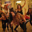 Claire Pérot, alias Sally Bowles, et les filles du Kit Kat Club, plus explosives que jamais pour  Mein Herr .   Présentation à Mogador du musical  Cabaret  le 9 septembre 2011, à un mois du retour du spectacle sur la scène parisienne, à Marigny, avec Emmanuel Moire dans le rôle du Maître de cérémonie.