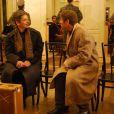 Cliff Bradshaw, joué par Geoffrey Guerrier, débarque à Berlin et rencontre Ernst Ludwig, incarné par Patrick Mazet.   Présentation à Mogador du musical  Cabaret  le 9 septembre 2011, à un mois du retour du spectacle sur la scène parisienne, à Marigny, avec Emmanuel Moire dans le rôle du Maître de cérémonie.