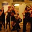 Emmanuel Moire et les filles du Kit Kat Club...   Présentation à Mogador du musical  Cabaret  le 9 septembre 2011, à un mois du retour du spectacle sur la scène parisienne, à Marigny, avec Emmanuel Moire dans le rôle du Maître de cérémonie.