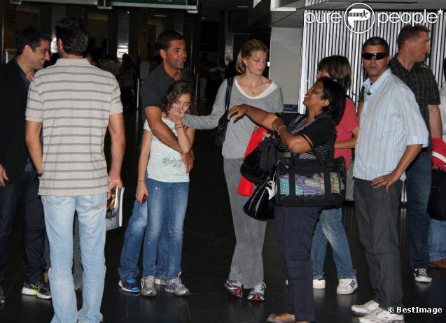 Athina Onassis, son époux Doda, et sa belle-fille Vivienne, quittent le Brésil. 5 septembre 2011