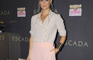 Bar Refaeli : La reine du glamour envoûte avec classe